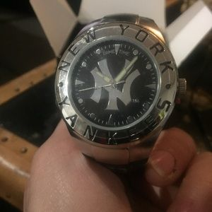 Yankees Gametime Watch 2008 Collectors item NIB